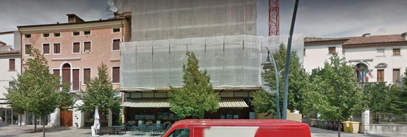 Immagine 1. Vista dell'ingresso principale dell'Hotel Granatiere.